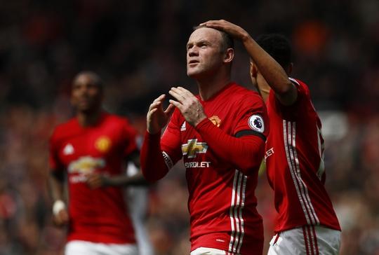 Rooney đã đá cính và nổ súng trở lại nhưng M.U vẫn hòa