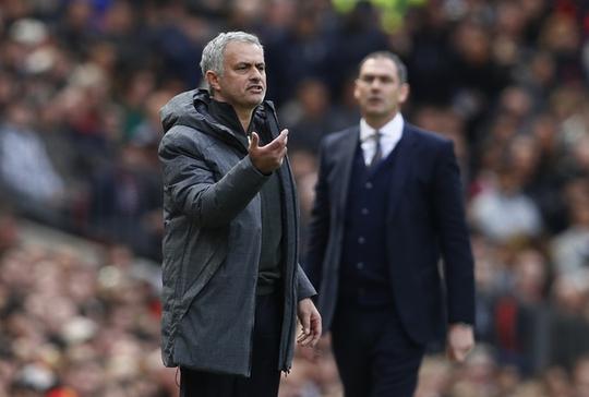 Mourinho có lý do để đổ lỗi cho màu giải kém thuyết phục của M.U