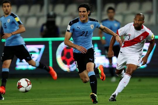 Cavani, chân sút dẫn đầu danh sách Vua phá lưới với 9 bàn, tịt ngòi trong trận thua Peru