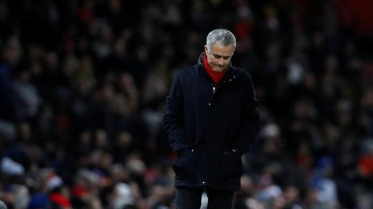 Xài 300 triệu bảng/2 mùa, Mourinho vẫn chê ít - Ảnh 1.