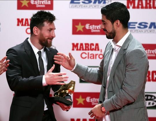 Gia đình Messi đáng yêu tại lễ trao giải Chiếc giày vàng - Ảnh 2.