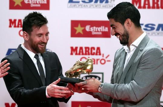 Gia đình Messi đáng yêu tại lễ trao giải Chiếc giày vàng - Ảnh 3.