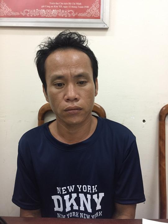Bắt 2 nghi phạm hiếp dâm 2 bé gái 12 tuổi - Ảnh 1.