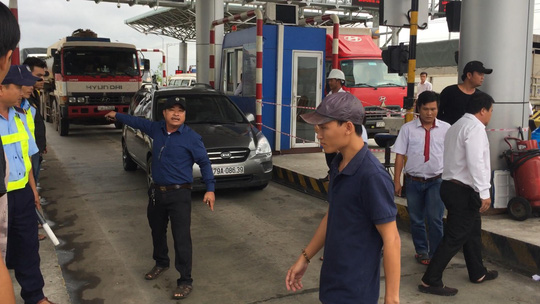 BOT Ninh An đối thoại với tài xế để giải quyết ách tắc - Ảnh 5.