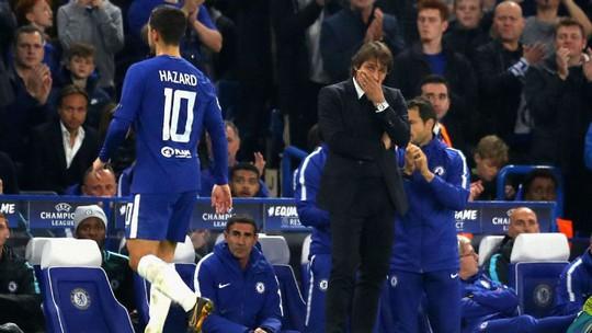Conte đớp thẳng Mourinho sau khi bị đá xoáy - Ảnh 3.