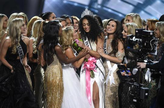 Cận cảnh nhan sắc tân Hoa hậu Mỹ - Ảnh 2.