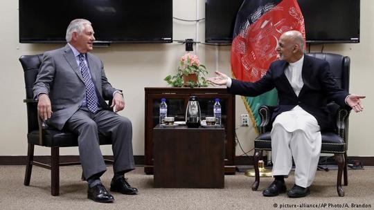 Mỹ cứng rắn hơn với Taliban - Ảnh 1.