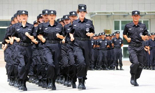 Bắc Kinh tăng cường quản lý người dân - Ảnh 1.