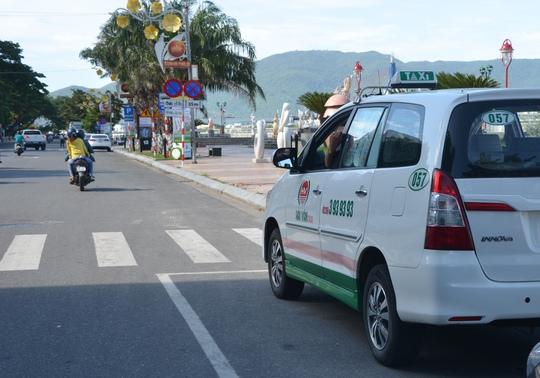 Để tài xế chặt chém khách, hãng taxi Hải Vân bị phạt 7 triệu - Ảnh 1.