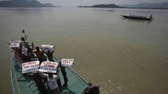 Tham vọng đưa nước từ Tây Tạng đến Tân Cương - Ảnh 1.