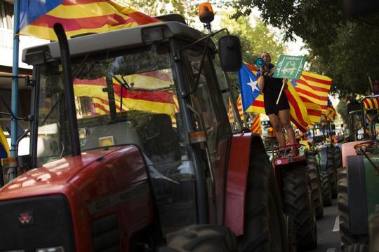 Bom hẹn giờ Catalonia - Ảnh 1.