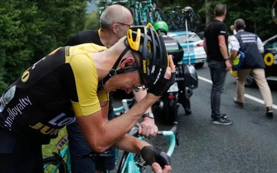 Cua rơ té gãy cổ ở Tour de France 2017 - Ảnh 7.