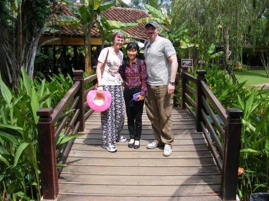 3 điều kiện hành nghề của hướng dẫn viên du lịch - Ảnh 2.