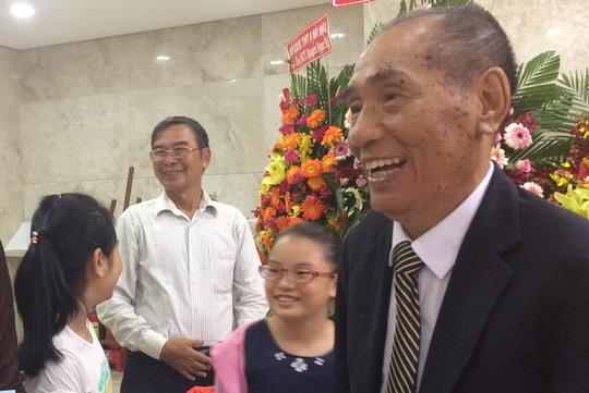 Tự truyện thầy Nguyễn Ngọc Ký: Tâm huyết trao đời - Ảnh 1.