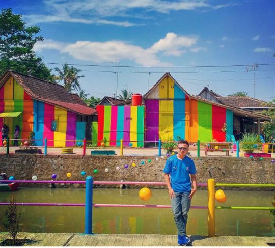 Indonesia: Khu ổ chuột lột xác thành điểm du lịch độc đáo - Ảnh 4.
