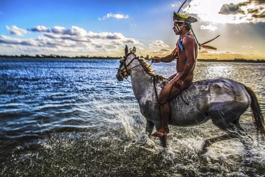 Cận cảnh đời sống của thổ dân nguyên thủy - Ảnh 6.