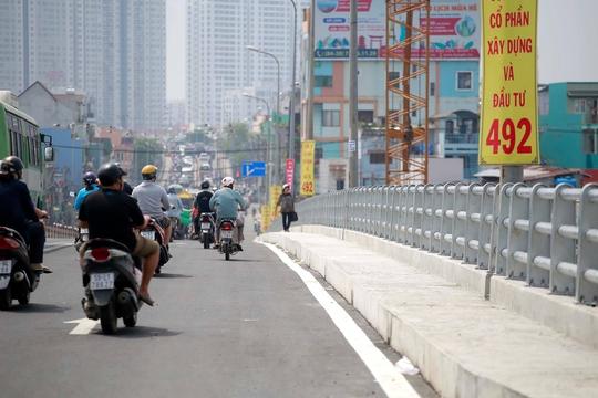 Thông xe nhánh cầu Nguyễn Tri Phương với đường Võ Văn Kiệt - Ảnh 2.