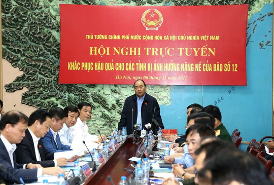 Thủ tướng: Tuyệt đối không để dân đứt bữa, đảm bảo cho APEC - Ảnh 1.
