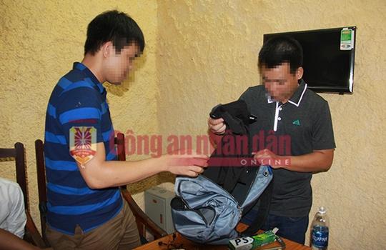 Tử tù Lê Văn Thọ không kịp phản ứng khi cảnh sát đập vỡ kính taxi, khống chế - Ảnh 4.