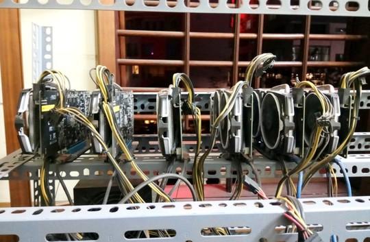 Tận mắt thấy dàn trâu đào tiền ảo Bitcoin tiền tỉ ở Hà Nội - Ảnh 8.