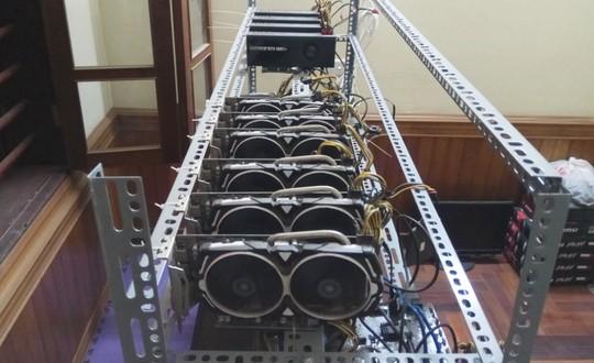 Tận mắt thấy dàn trâu đào tiền ảo Bitcoin tiền tỉ ở Hà Nội - Ảnh 12.