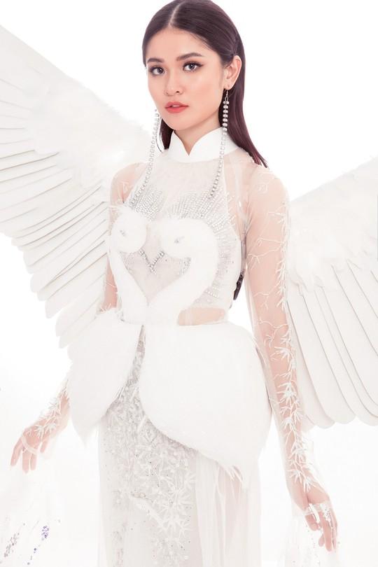 Trang phục dân tộc gây choáng của Thùy Dung ở Hoa hậu quốc tế 2017 - Ảnh 6.