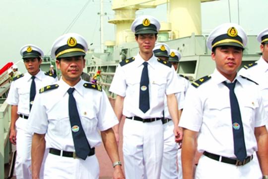 Thuyền viên phải ăn tối thiểu 3 bữa/ngày - Ảnh 1.