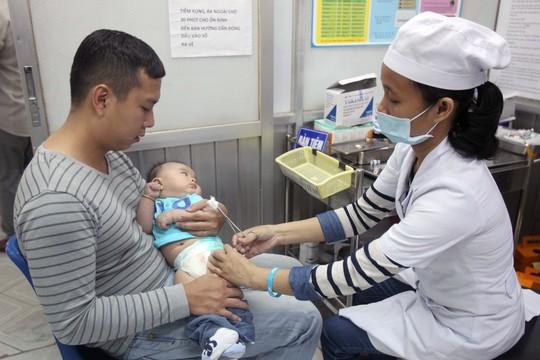 Sự khác biệt giữa 2 loại vắc- xin phụ huynh cần biết - Ảnh 1.