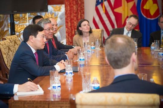 Phó Thủ tướng Phạm Bình Minh gặp các Trợ lý Nghị sĩ hai đảng Cộng hòa và Dân chủ