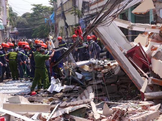 Hiện trường vụ sập nhà 296 Trần Hưng Đạo, TP Quy Nhơn