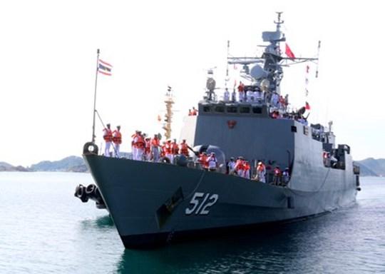 Một trong những tàu của Hải quân Hoàng gia Thái Lan cập cảng Cam Ranh