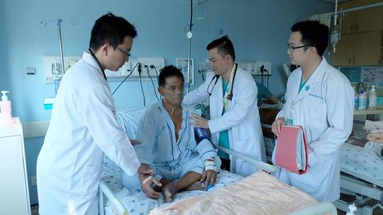 Ông B. thoát khỏi tử vong nhờ các bác sĩ phối hợp xử trí nhanh