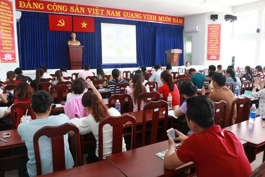 CNVC-LĐ quận 9, TP HCM tại lớp bồi dưỡng kiến thức về Đảng