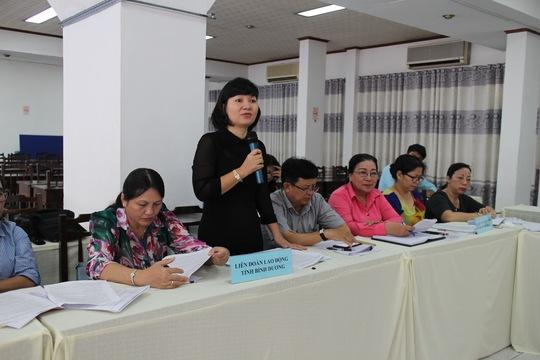 Đại biểu đóng góp ý kiến tại hội thảo
