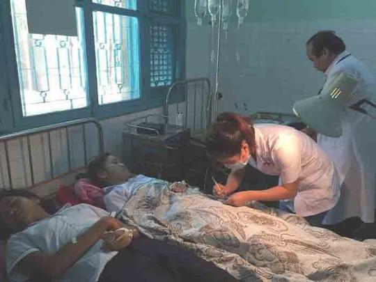 36 học sinh nhập viện sau khi ăn sáng - Ảnh 1.