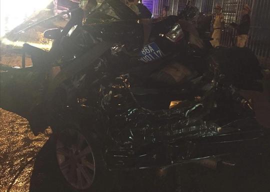 Xe tải tông vào đuôi xe công an, 2 sĩ quan tử nạn - Ảnh 2.
