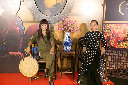 Dàn sao Việt xúng xính áo dài lên thảm đỏ - Ảnh 7.