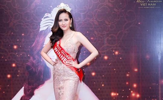 """Hoa hậu Khánh Ngân khẳng định không có """"đại gia"""" chống lưng - Ảnh 2."""