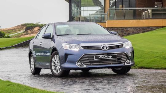 Toyota tiếp tục đại hạ giá xe lần 2 trong tháng - Ảnh 2.