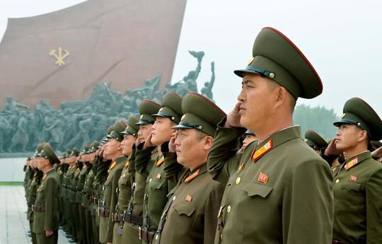 Triều Tiên đối mặt trừng phạt cứng rắn chưa từng có - Ảnh 1.
