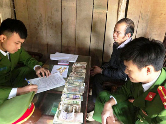 Đột nhập phòng tân hôn, trộm tiền vàng mừng cưới gần 100 triệu đồng - Ảnh 1.