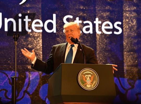 Tổng thống Mỹ ở APEC 2017: Chúng ta không còn là kẻ thù! - Ảnh 2.