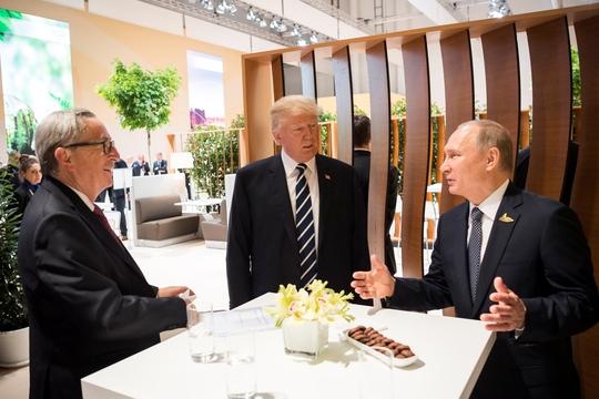 EU dọa trả đũa Mỹ nếu trừng phạt Nga - Ảnh 1.