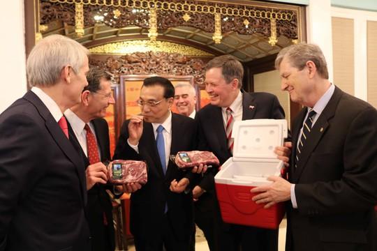 Trung Quốc tìm cách mua nghị sĩ Mỹ - Ảnh 1.