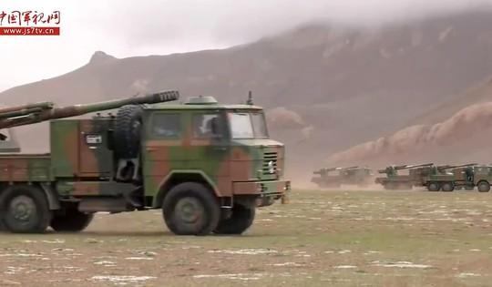 Trung Quốc tập trận bắn đạn thật gần Ấn Độ - Ảnh 1.