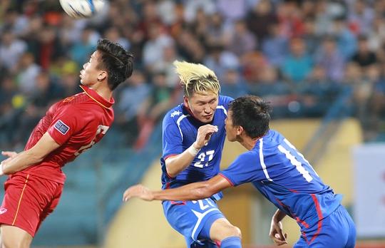 Hàng phòng ngự tuyển Việt Nam thủng lưới dù Đài Loan đá 90 phút chí có đúng 1 cơ hội