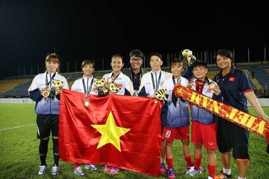 Nữ Việt Nam vô địch: Vui sao nước mắt lại trào - Ảnh 6.