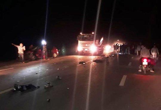 Hiện trường vụ tai nạn khiến nam công nhân tử vong trên đường đi làm về