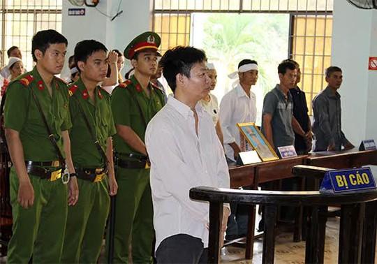 Bị cáo Lâm nghe tuyên án