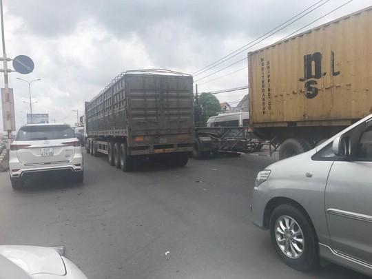 Kẹt xe nghiêm trọng trên cao tốc TP HCM - Long Thành - Dầu Giây - Ảnh 1.